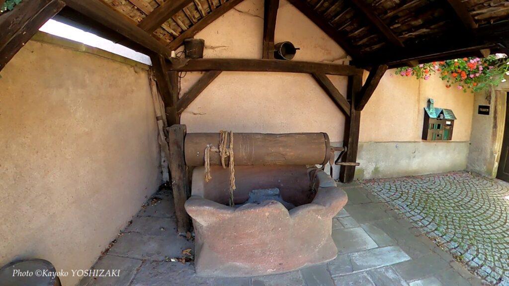 Mittelbergheim-vignoble-puits-a-tambour