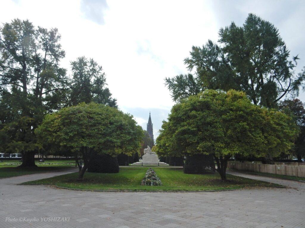 place-republique-cathedrale